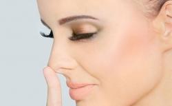 Как уменьшить нос с помощью макияжа